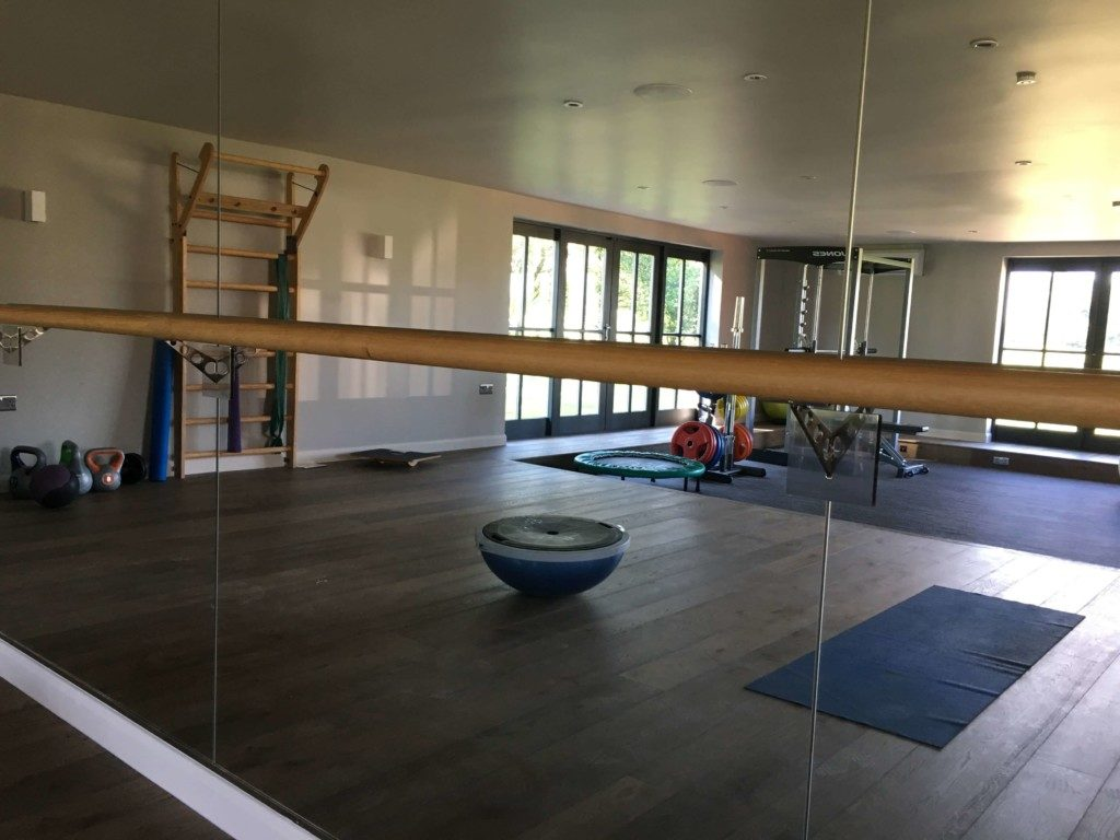 Custom Made Barres & Mirrors - Home Gym