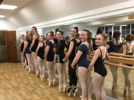 Foot Loose Stage School - Mirrors & Barres