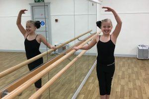 Foot Loose Stage School - Mirrors & Barres